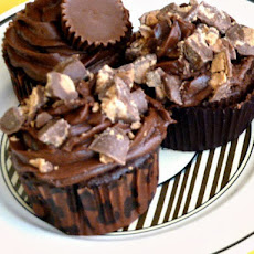 Chocolate Cupcakes, Peanut Butter Filling and Chocolate Butter Cream Frosting with Peanut Butter Cups