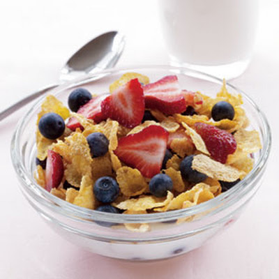 Cornflakes, Low-Fat Milk, and Berries