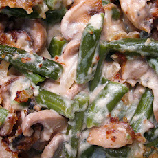 Delicious Creamy Cheesy Green Bean Casserole