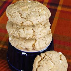 White Chocolate-Macadamia Nut Oatmeal Cookies