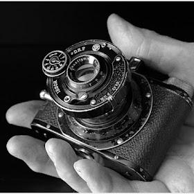 Camera-in-Hand_037a.jpg