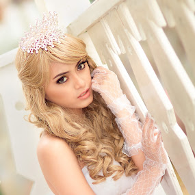 Dwi as The Bride by M Fajar Photofiles - Wedding Bride