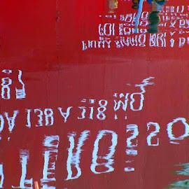 versi di un poeta  nel canale maestro di Trieste by Marco Poli - Abstract Patterns