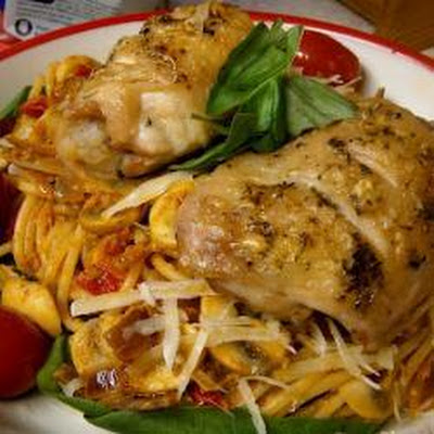 Crispy Chicken Thights With Red Pesto Spaghetti