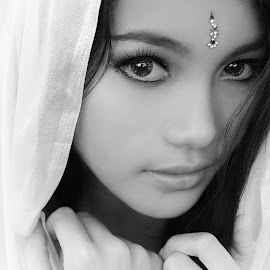 by Afdillah Abdy - Black & White Portraits & People