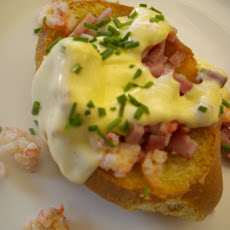 Baked Eggs Benedict in Crispy Bread Boats