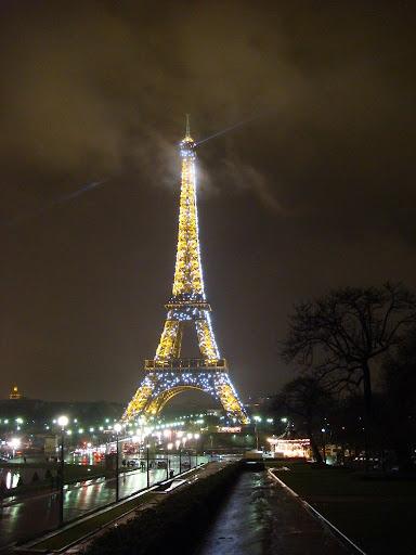 Tour Eiffel - Robe diamantée dans Photographies du Paris d'hier et d'aujourd'hui