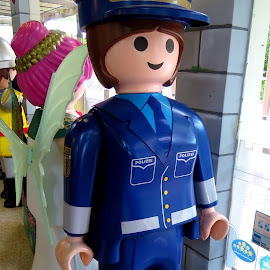 Playmobil, Policeman by Alan Chew - Artistic Objects Toys