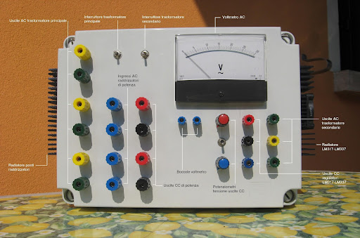 Schema Elettrico Alimentatore : Urmet alimentatore citofonico base con generatore di no