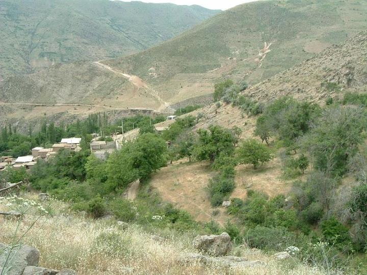 نمای روستای شیزر از منزل ما