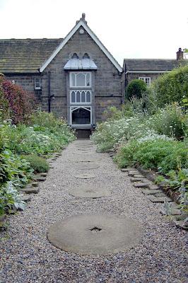 millstones path