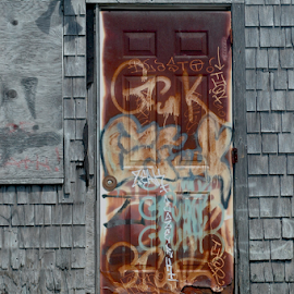 A Rusty Door by Rob Kovacs - Novices Only Street & Candid (  )