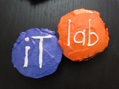 IT Lab logo cupcake