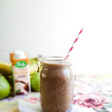 Chocolate Pear Hazelnut Smoothie
