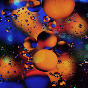 Caramel Way by Carole Pallier  - Abstract Patterns ( colour, water, abstract, orange, circles, macro, patterns, blue, lollies, oil )