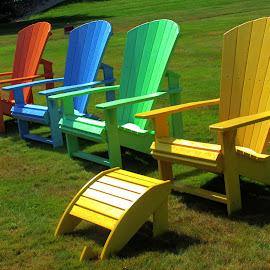 Take a seat. by Dave  Horne - City,  Street & Park  City Parks