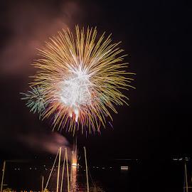 Limone sul Garda fireworks by Luka Milevoj - Abstract Fire & Fireworks ( italia, fireworks, lake garda, limone sul garda, italy )