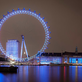 the great London Eye by Emanuel Ribeiro - Buildings & Architecture Bridges & Suspended Structures ( london eye, thames, river, city at night, street at night, park at night, nightlife, night life, nighttime in the city )