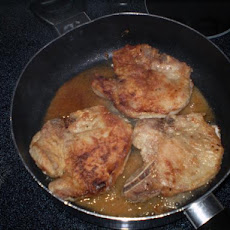 Old-Fashioned Pan-Fried Pork Chops