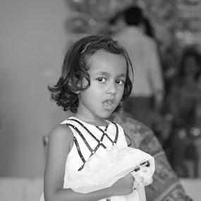 Candid ! by Swapnanil Dhol - Novices Only Portraits & People ( white, children, candid, cute, black, and )