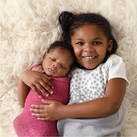 Big Sister by Michelle McClafferty - Babies & Children Child Portraits ( newborn session, child photography, children, photo, portrait, newborn, sister, sibling, happy, family, michelle mcclafferty, raleigh newborn photography, baby photography, big, smile,  )