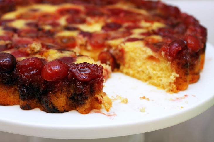 Cherry Cornmeal Upside-Down Cake Recept | Yummly
