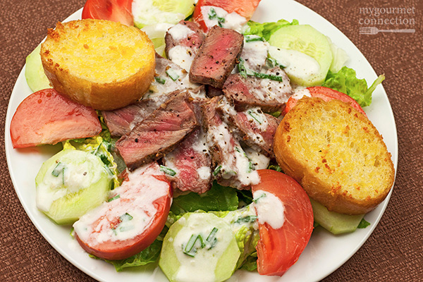 Grilled Steak Salad with Horseradish Ranch Dressing Recipe | Yummly