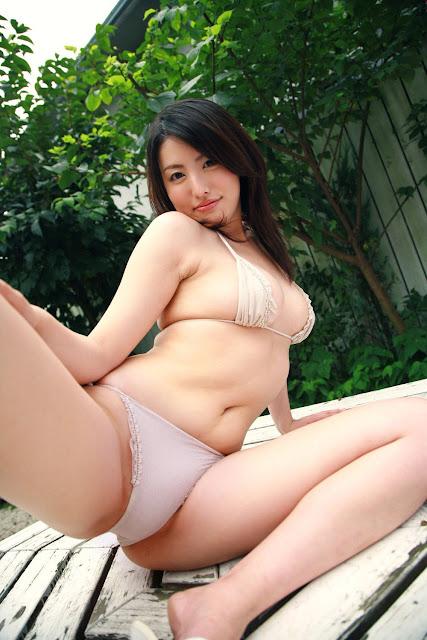 13 Foto Gadis Cantik Sexy & Cewek Montok