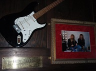 A guitarra do Rudy Sarzo dos Whitesnake. Esta é para ti, mãe!