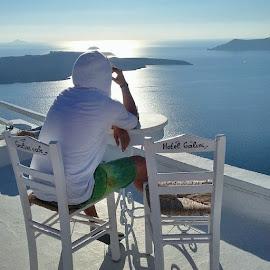 A Poet in Santorini Island, the Ancient Atlantis by Ozan Önen - People Street & Candids ( ozan önen, santoron, greece, fira, imerovigli, thira, firostefani, volcanic caldera, caldera view, oia, nea kameni, santorini, akrotiri )