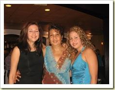 Mimi Quezada e hijas