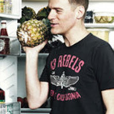 Bryan Adams' Pineapple-Ginger Juice
