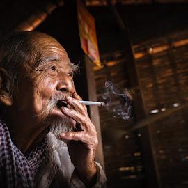 by Sơn Hải - People Portraits of Men ( think, old, vietnam,  )