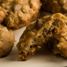 Oatmeal–Chocolate Chip Cookies
