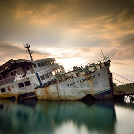 Drawn by Didik Mahsyar - Transportation Boats ( ocean, beach, lombok, boat, landscape, strended )