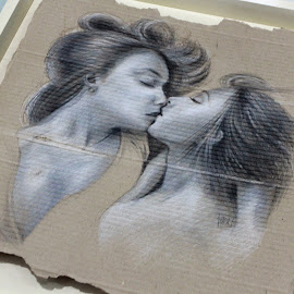 kiss by Indra Prihantoro - Drawing All Drawing ( kiss, hand drawing, drawing )