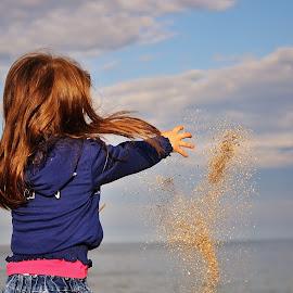by Gabry  Nicole - Babies & Children Children Candids ( girl, play, little, candid, beach )