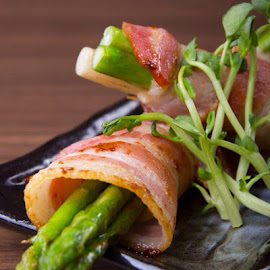 Asparagus bacon by HeinzTeh Siong - Food & Drink Plated Food (  )