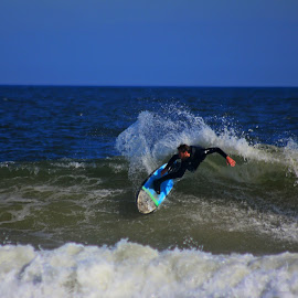 by Danny Rose - Sports & Fitness Surfing