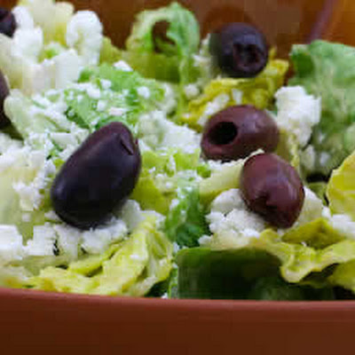 Mediterranean Salad with Hummus Dressing