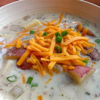 Slow Cooker Easy Baked Potato Soup