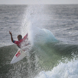 love it  by Cam Neale - Sports & Fitness Surfing