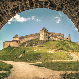 Rasnov Citadel by Bianca Maria - Buildings & Architecture Public & Historical