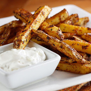 Baked Seasoned Fries with Skinny Garlic Aioli