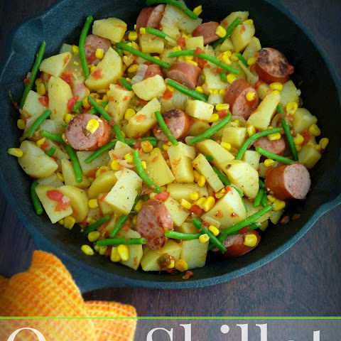 One-Skillet Smoked Kielbasa, Green Beans & Potatoes