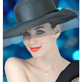 Nathy by Paulo Marx - People Portraits of Women ( young model, girl, class, beauty, hat )