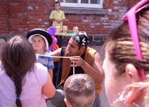 Party Magician in Central London, Surrey & West Sussex