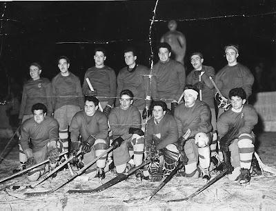 Els pioners de l'Hoquei Gel a Puigcerdà. Entre ells el meu avi.