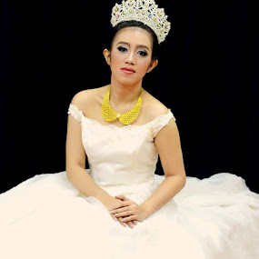 Bride... by Dwi Ratna Miranti - Wedding Bride