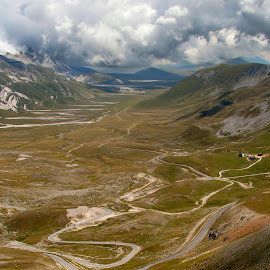 Campo Imperatore by Ricky Papex - Landscapes Mountains & Hills ( campo imperatore, abruzzo, l'aquila, italy, path, nature, landscape )